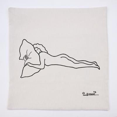 Funda almohadón crema mujer