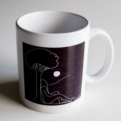 Taza mujercon árbol y luna